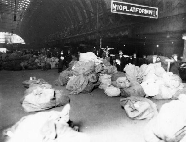 Mail sacks being sorted on Platform 10 during the Christmas period of 1926