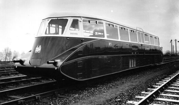 Built by AEC in 1933. No 1 was the first railcar to run on the GWR