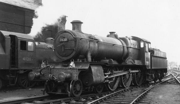 No 7820 Dinmore Manor at Shrewsbury 1964