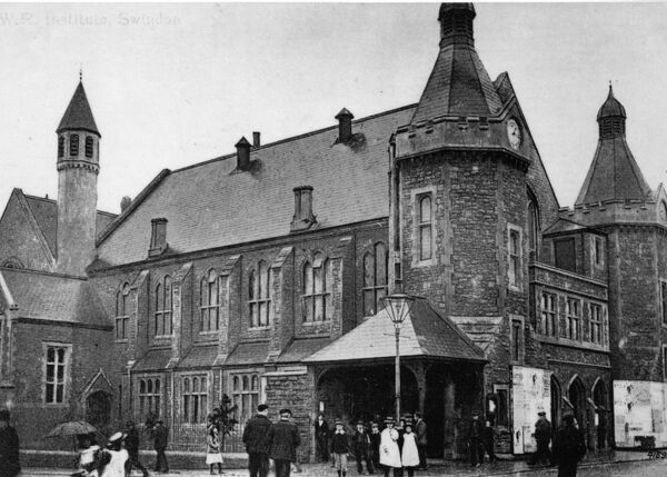 An external view of the Mechanics'Institute in 1914