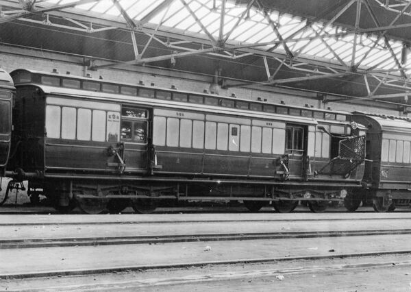 Clerestory coach built in 1892 to diagram no L10