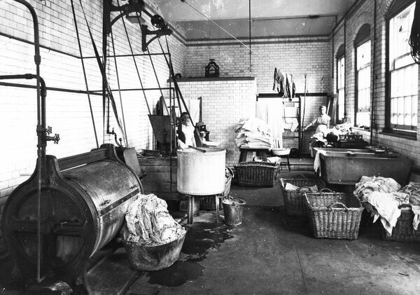 Behind the scenes at Swindon?s GWR Medical Fund, a range of work was undertaken including the washing of bed linen and other items in the Laundry