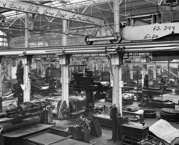 V Shop, 1954. General view of the boiler shop