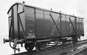 10 ton ventilated Fruit Van, No. 2885