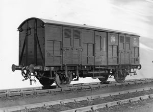 4 Wheeled Passenger Cattle Wagon, No. 727