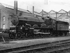 No 5028 Llantilio Castle outside Swindon Works