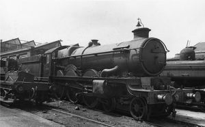 Castle Class locomotive, No. 5094, Tretower Castle at Swindon Works