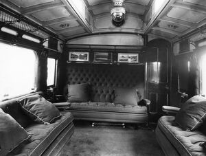 GWR First Class Family Saloon, No 9044