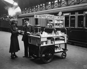 stations halts/london stations paddington station/gwr refreshment department platform trolley may