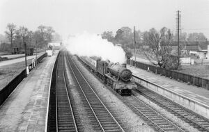 Locomotive No. 5932, Haydon Hall, passing through Shrivenham Station, May 1960