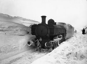 pannier tank no7766 stuck in the snow c1930s