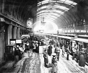 Platform 1 at Paddington Station, 1904