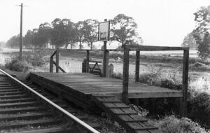 stations halts/gloucestershire stations trouble house halt/trouble house halt c1960
